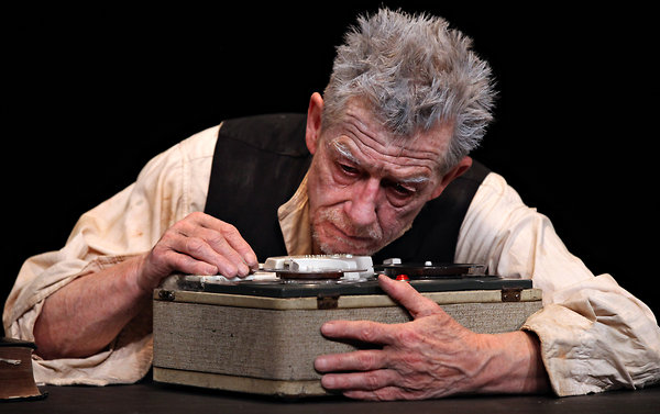 krapps last tape imagery in color Indeed, the first eight to 10 minutes of 'krapp's last tape' is silent: the spotlight gradually comes up on krapp, who sits at a desk for a very long time the audience may wonder if the old actor has forgotten his lines.